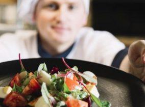 """Studenti dell' Accademia delle Professioni  su Italia 7Gold per il nuovo talent """"Venice is Cooking"""" dedicato al racconto dell'eccellenza enogastronomica"""