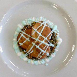 Nuvole di pane dolce su terra alla vaniglia con salsa yogurt-2